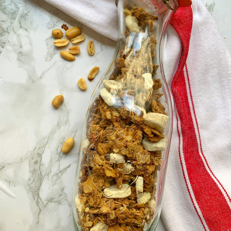 Chocolate Chip Banana Bread Granola (Vegan, GF)