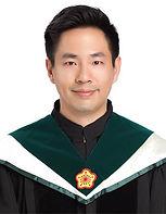 Dr.何.jpg