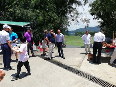 Last week Linksshape celebrated the beginning of a new project at Clear Water Bay Golf and Country Club with a kick off lunch in the sun, with both the Linksshape team and CWBGCC present wishing good luck and fortune for the project delivery.