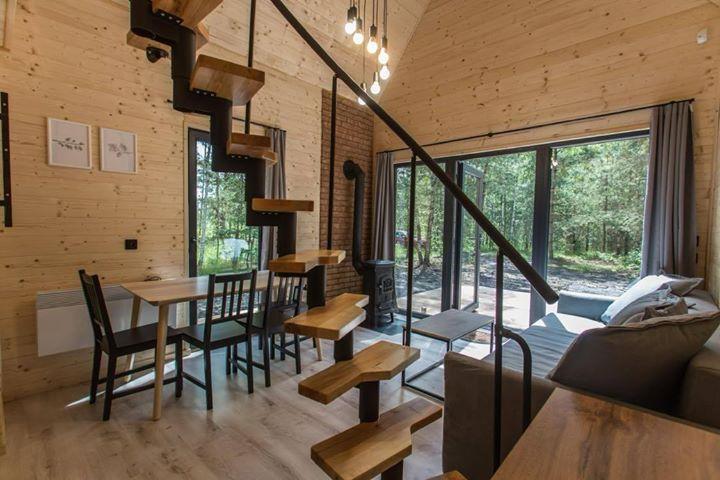 Holztreppe im Woodenfactory Holzhaus