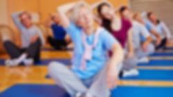 Cours de gym douce dans la sall du Maurian à Blanqefort, activité sportive, de relaxation pour tonifier son corps et relâcher son mental. Apaisement et relaxation
