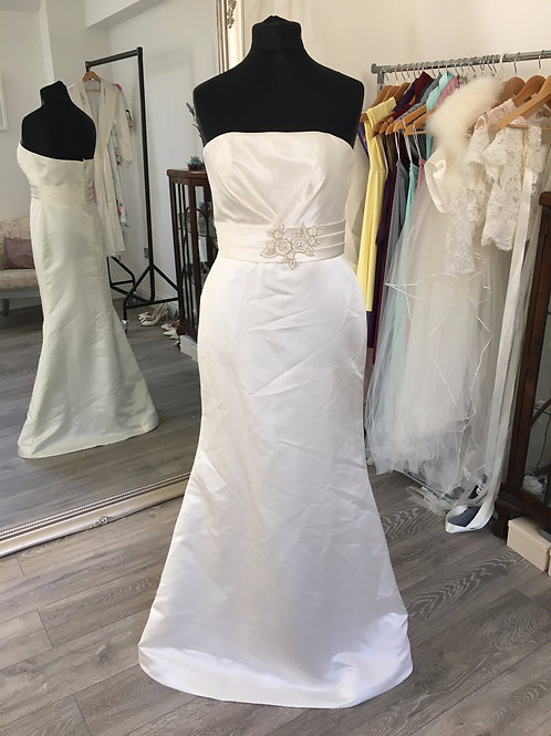 White One by Pronovias - Janin Front View