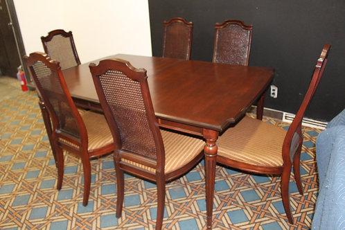 Mid Century Drexel Heritage Dinning Table