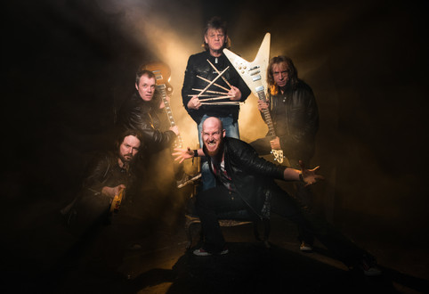 "DIAMOND HEAD SIGN RECORD DEAL WITH SILVER LINING MUSIC.  THE UPCOMING ALBUM ""THE COFFIN TRAIN"" IS SE"