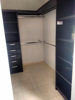 idecasa - Verandas - Modelo CAPRI - Closet Vestidor