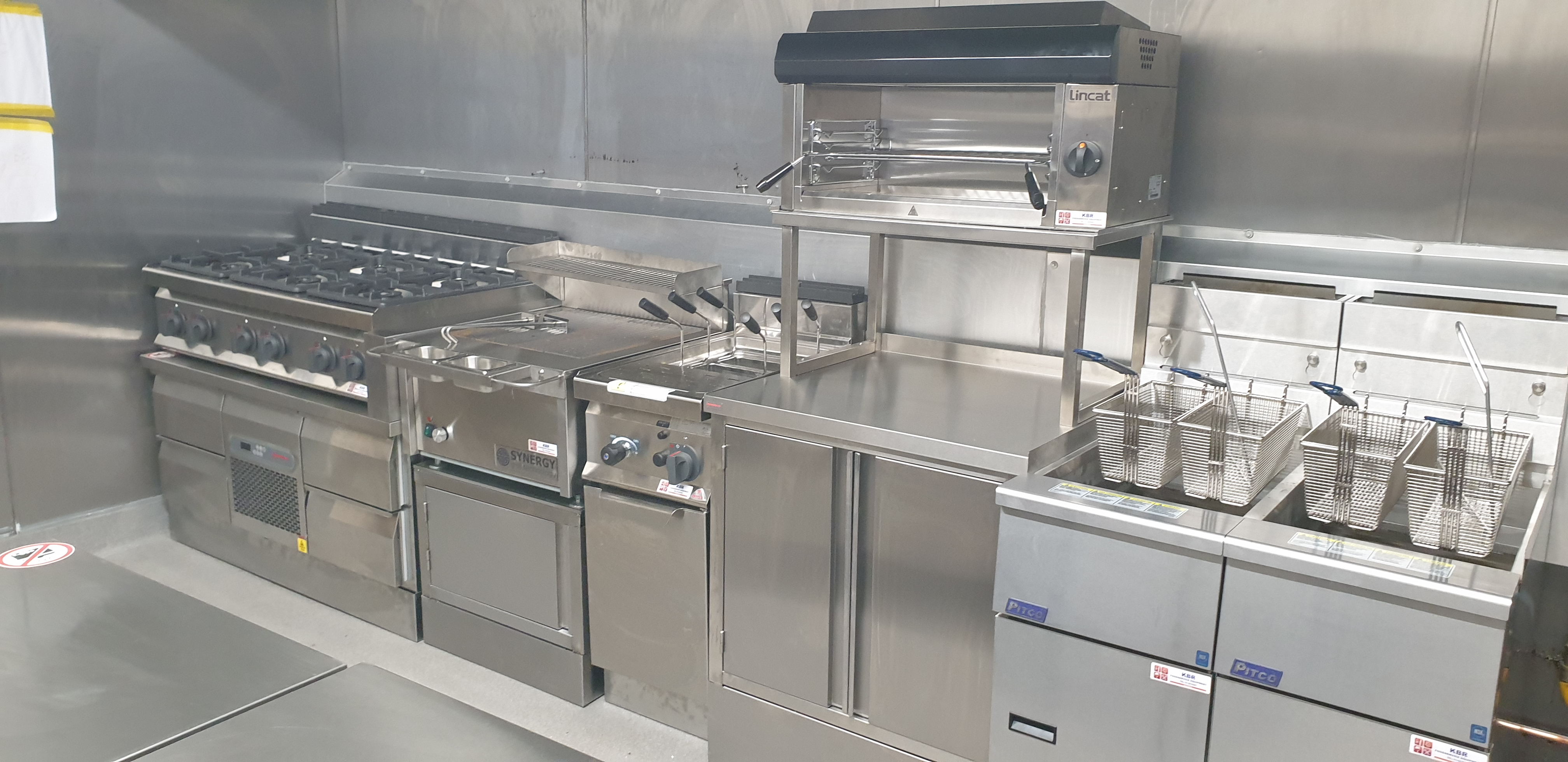 Bar Kitchen Cooking Line