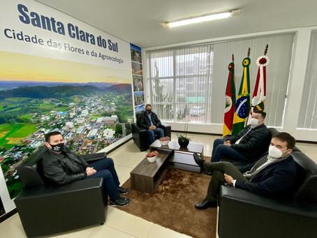 Santa Clara do Sul firma parceria com Dale Carnegie para qualificar a gestão