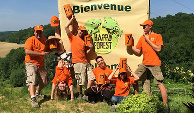 Toute l'équipe d'Happy Forest vous souhaite la bienvenue au parc. Notre priorité : la sécurité et la bonne humeur