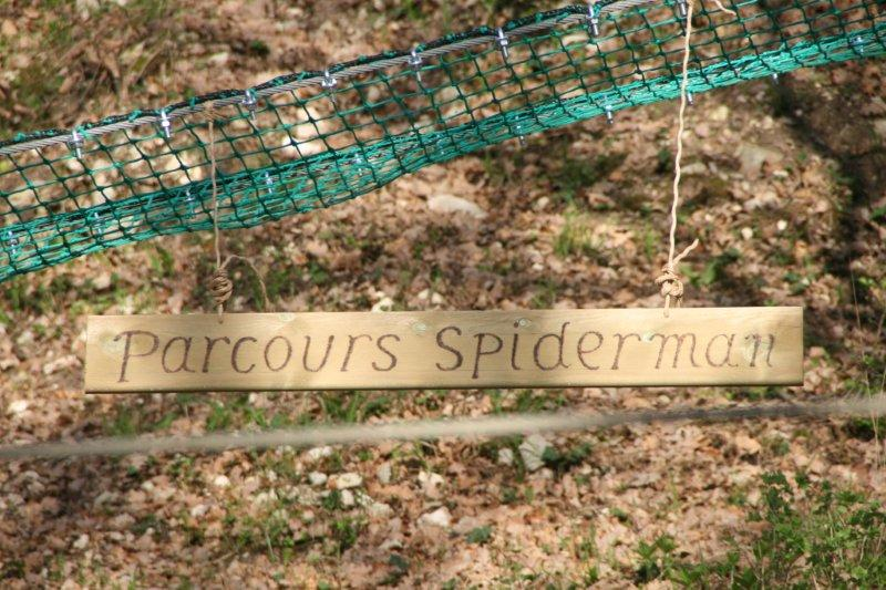 parcours spiderman panneau