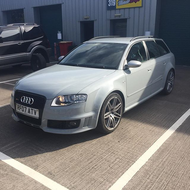 Audi RS4 Avant wrapped in _orafolvehiclewraps _orafolvehiclewraps Telegrey for the closest match to