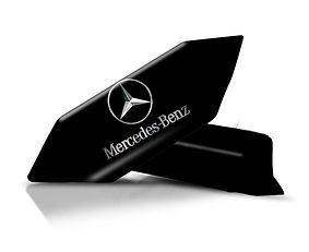 Krówki z logo Mercedesa