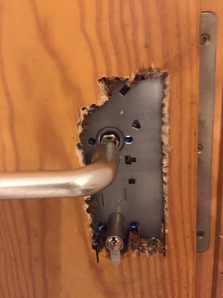 Schaden an Tür