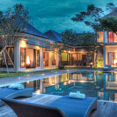 tropical-balinese-custom-home-backyard.j