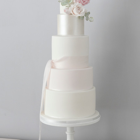 Supplier Spotlight -  Wedding Cakes with Bella Cakes by Sharon