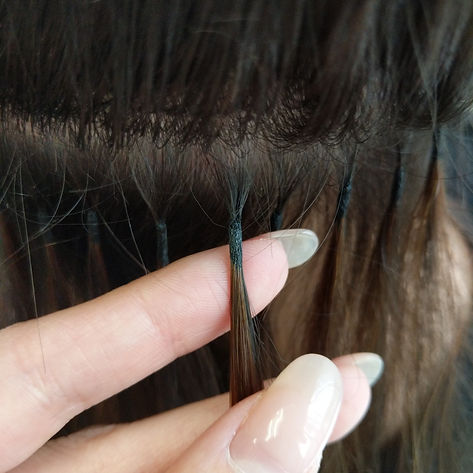 ряд капсульного наращивания волос