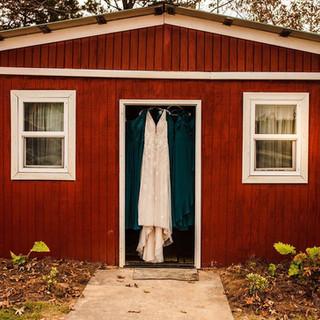 Bridal Cabin, Photography by Keli Lindsey