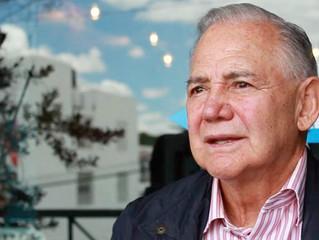 Entrega Raúl Salinas de Gortari investigación a docente de UAZ