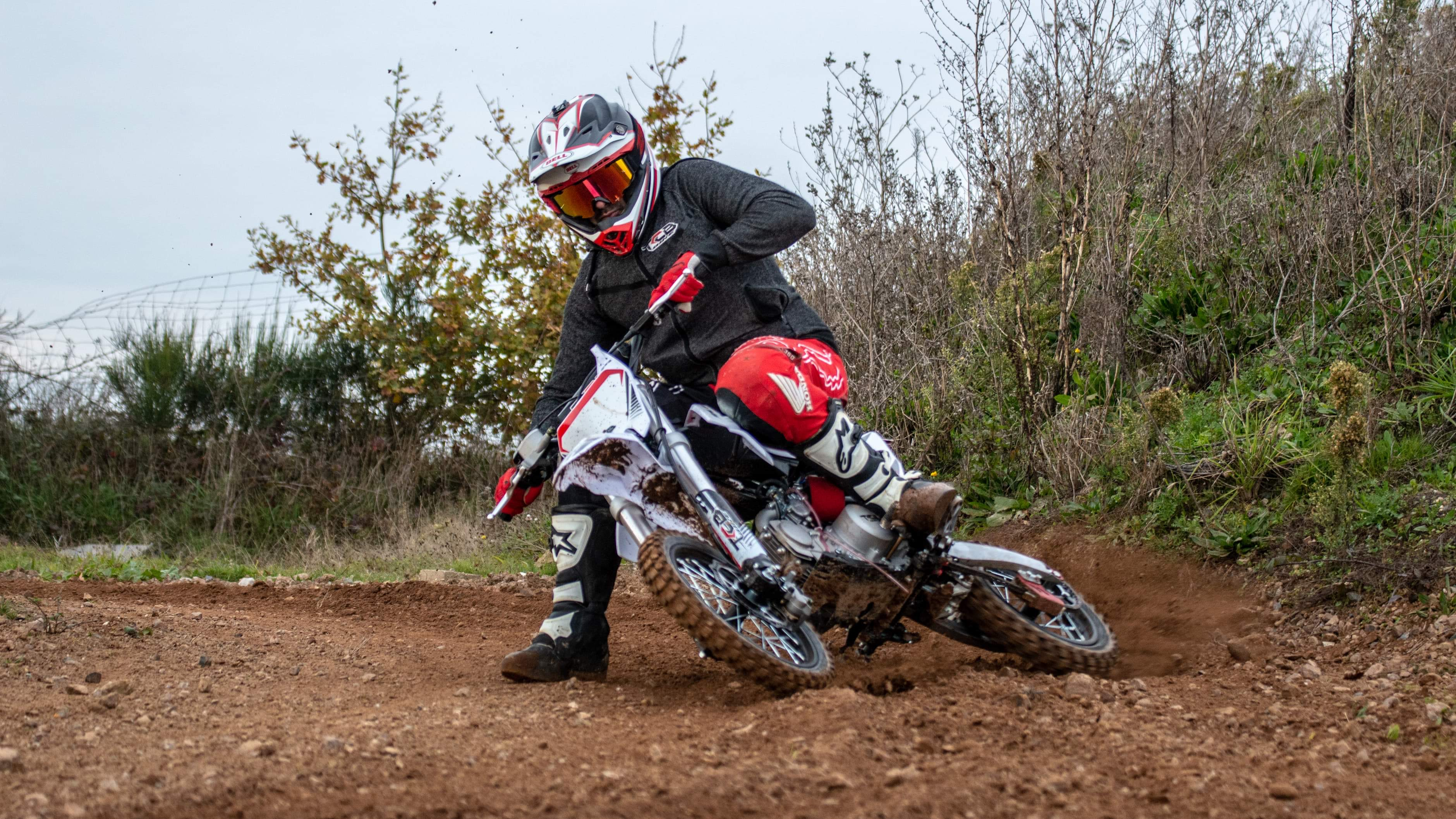 XF125 en action dirtbike