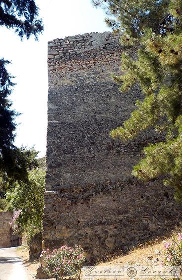 Κάστρο Λαμίας ακροπύργιο 2.JPG