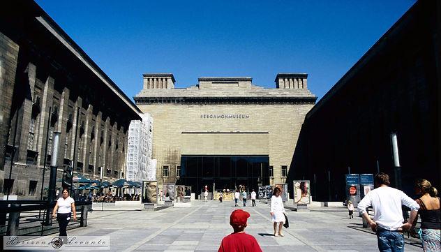 083  pergamon museum .jpg