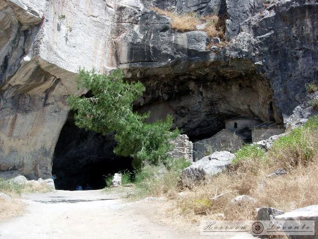 Σπηλιά Νταβέλη / σπήλαιο Αμώμων / αρχαίο λατομείο