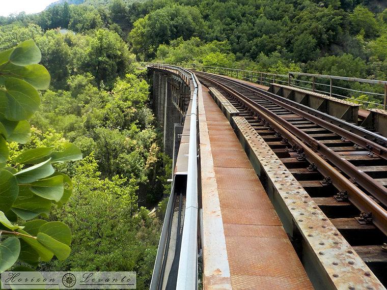 49 Μονοπάτι σιδηροδρομικών Ασωπού.JPG