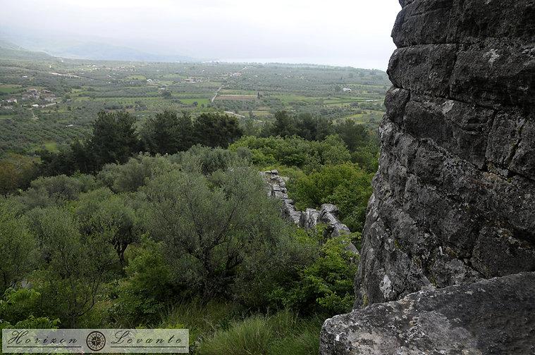21 Κάστρο Βουκάτιου Α. τείχος.JPG