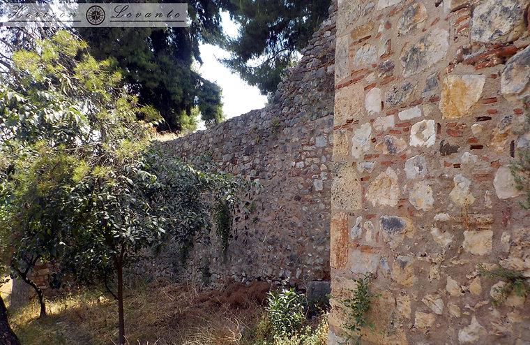 Κάστρο Λαμίας Β.Α. περιτοίχηση.JPG