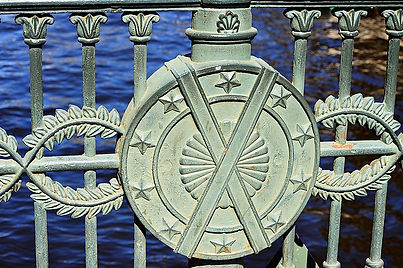 wrought-iron-railings-of-italian-bridge-