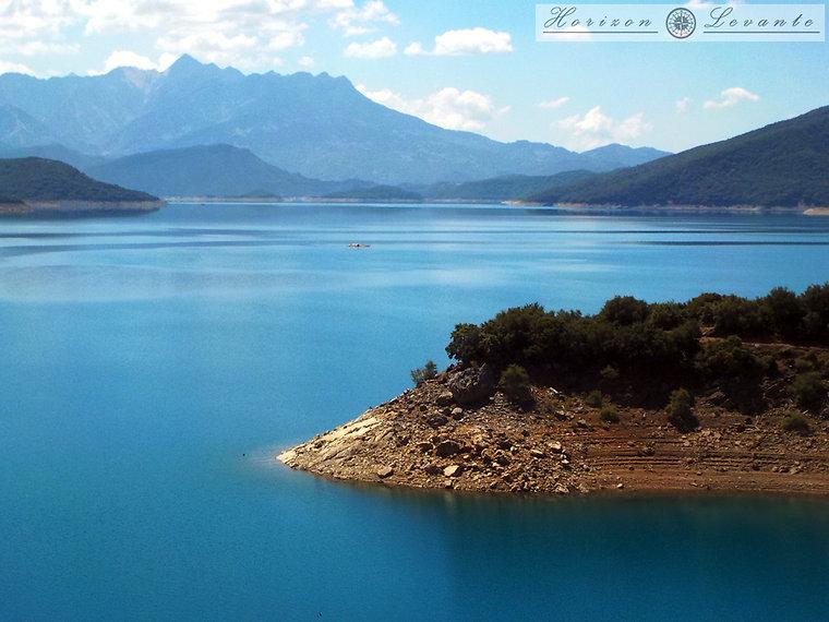 Λίμνη Κρεμαστών 4.JPG