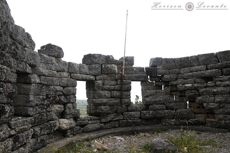 24 Κάστρο Βουκάτιου Βυζαντινός πύργος.JP