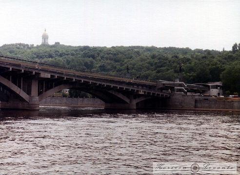 Metro bridge.jpg