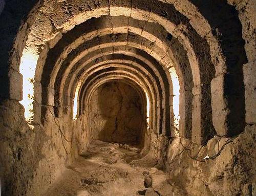 19. Υ.Π υπόγεια κρύπτη.jpg