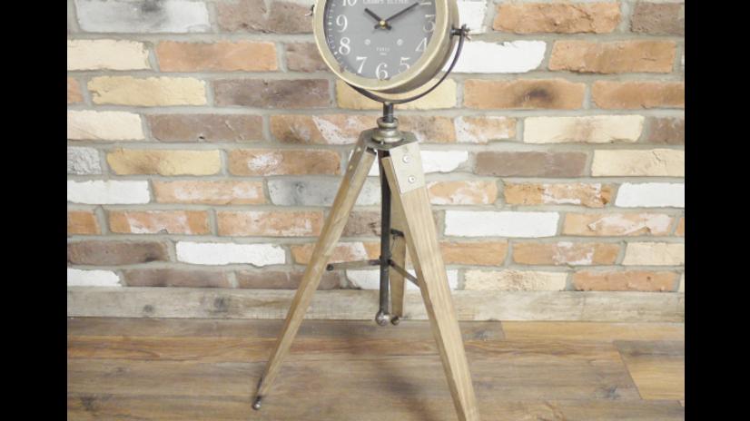 Attractive Tripod Clock