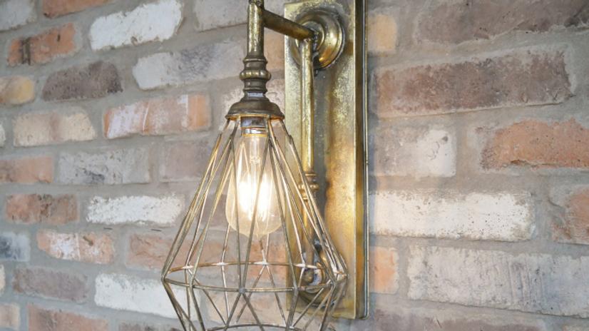 Brass finish Battery wall light 5734