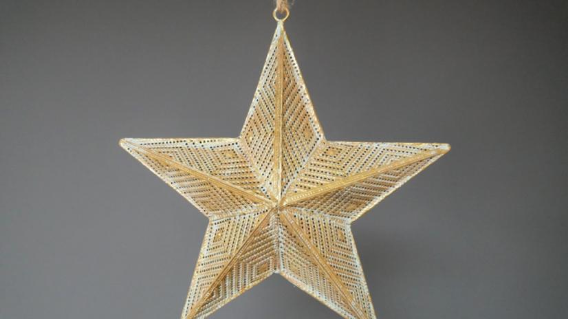 Gold filigree Star 31cm