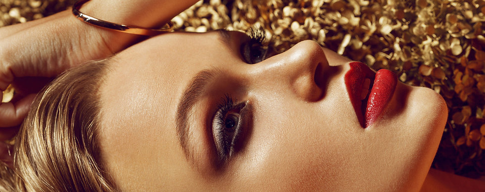Maquillage permanent.