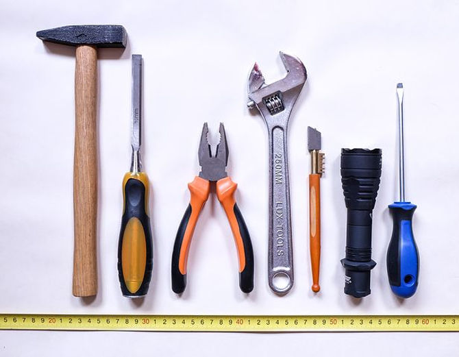 tools-2145771__480.jpg