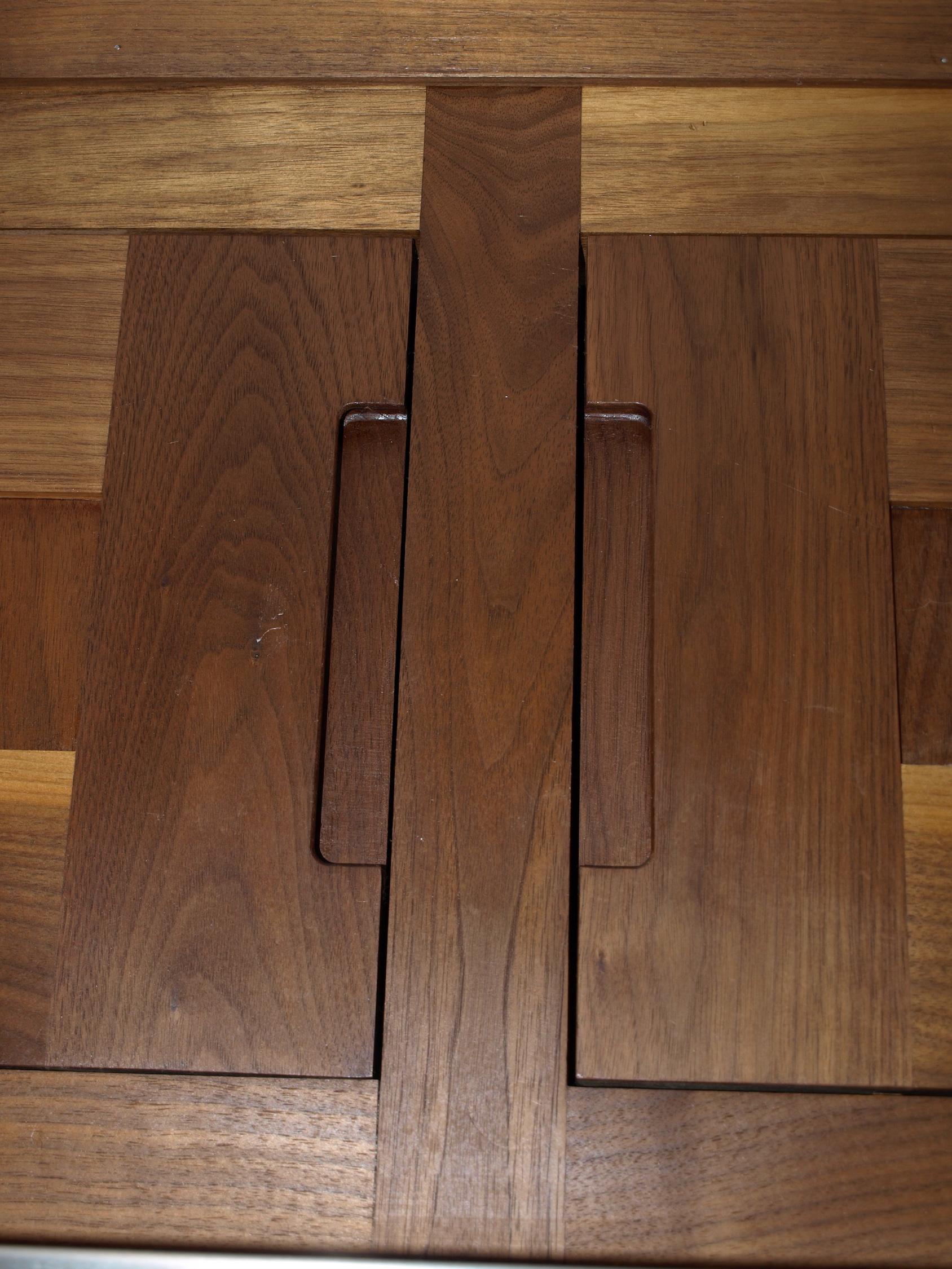 Walnut Kitchen Door Detail