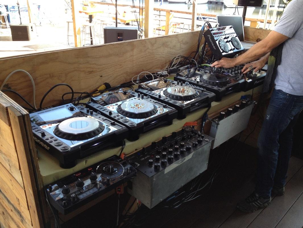 DJ Rig @ Morgan's Pier