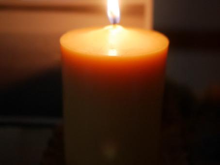 火を灯し、心に光を