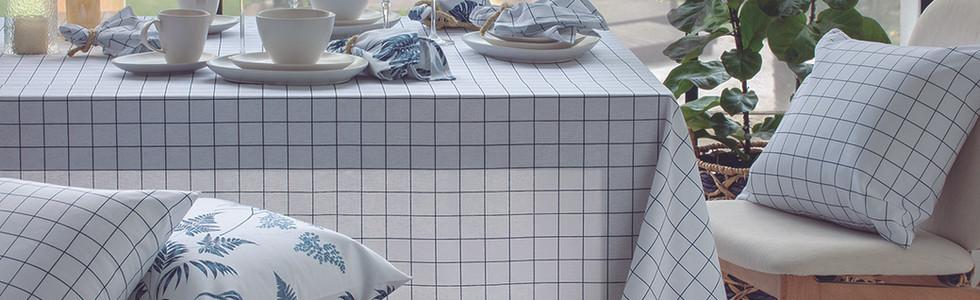 Toalha de Mesa Grid Marinho.jpg