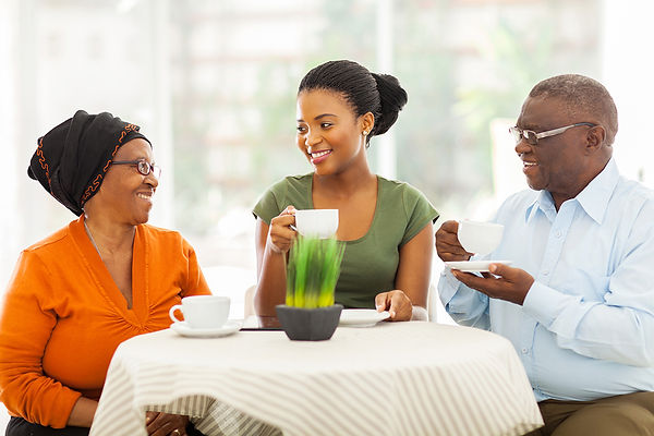parents and daughter talking, your parents' estate plan, estate planning, how to talk about an estate plan, how to talk about a will, how to ask about your parents' will, what is an estate plan, questions about an estate plan, how to discuss an estate plan