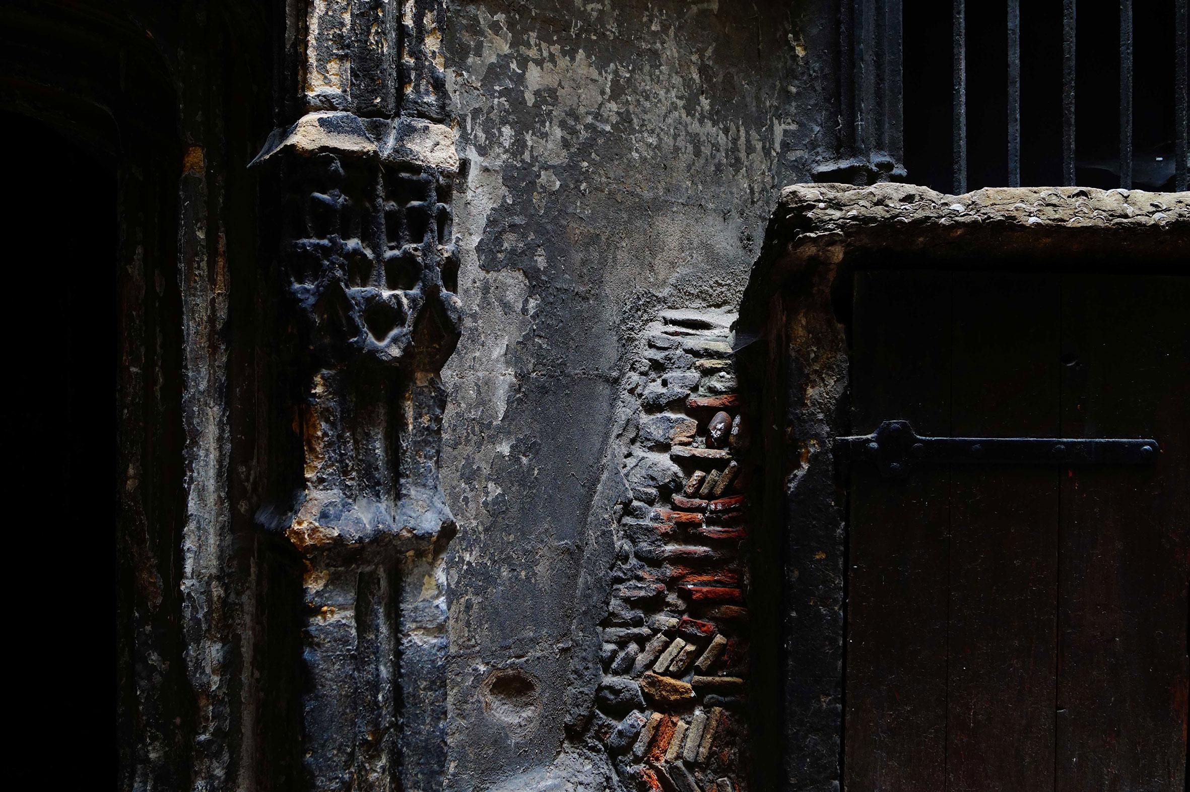 04 Traboules grises Lyon | Urban Pix