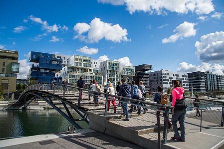 Explorer la Confluence avec Nomade Land Fabrique de promenades urbaines à Lyon