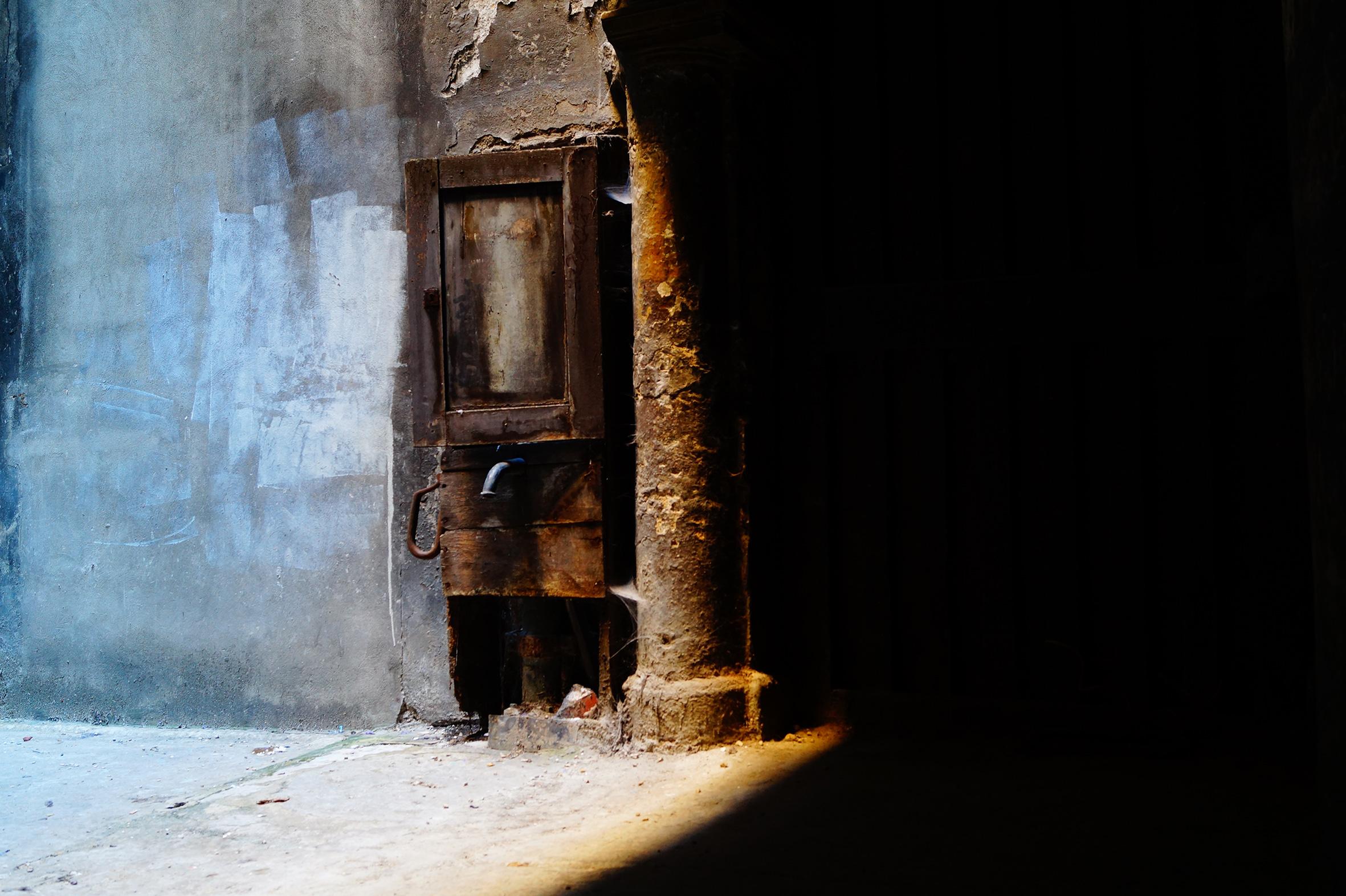 05 Traboules grises Lyon | Urban Pix