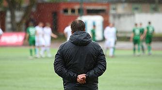 soccer-coach-from-back.jpg