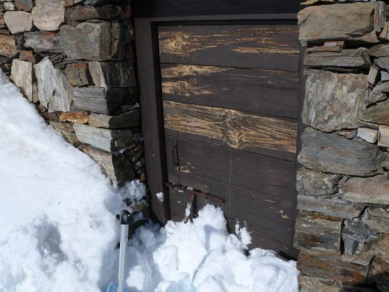 Porte enneigée