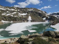 Lac de Juclar en printemps