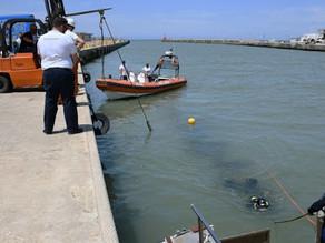 Guardia Costiera salva un uomo alla foce del porto canale di Fiumicino